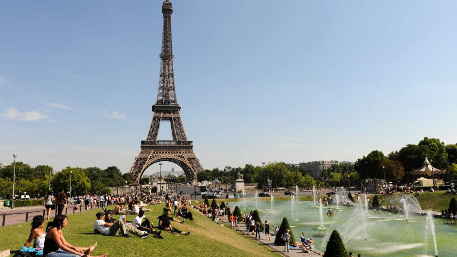 Places and things to do in paris for Places to stay in paris near eiffel tower
